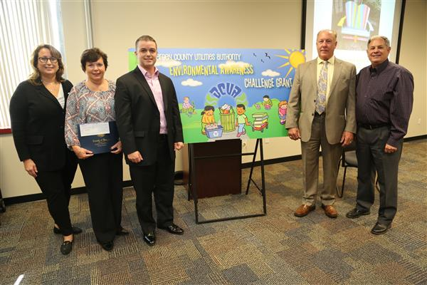 BERGEN COUNTY UTILITIES AUTHORITY ENVIRONMENTAL AWARENESS CHALLENGE GRANT CHECK CEREMONY